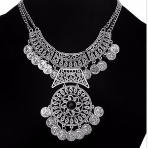 Jewelry - Silver signature necklace